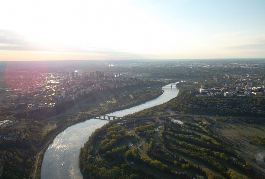 Picture from a flight above a city and river